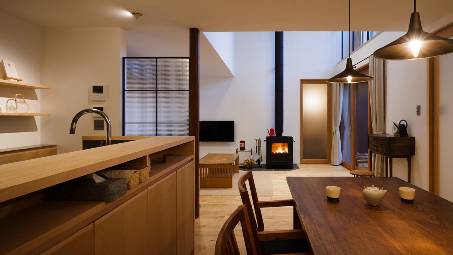 岡山 倉敷市の住宅とOMソーラーの建築設計  FOMES design建築デザイン事務所